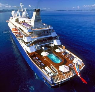 Spielberg eike ana maria iates de famosos custam for Luxury small cruise lines